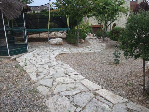 Suelos de piedras naturales - Suelos de caucho para exteriores ...